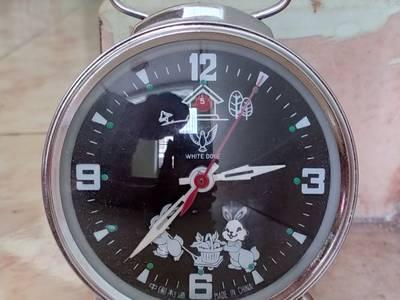 Các loại đồng hồ để bàn lên dây cót ko cần xài pin 3