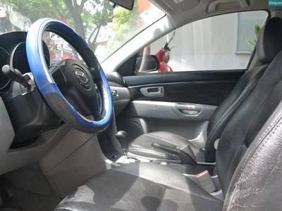Bán xe Mazda 3, đời 2005, xe nhập khẩu, số tự động, màu xanh dương 4