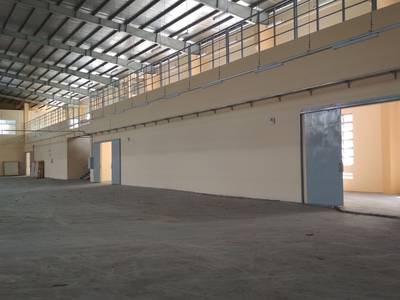 Cho thuê gấp kho xưởng mặt tiền Nguyễn Ảnh Thủ, diện tích 8.000m2, giá rẻ của khu này 3