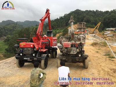 Khách hàng tại Cao Bằng nhận bàn giao máy trộn bê tông tự cấp liệu Hồng Hà 4