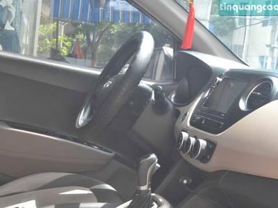 Bán xe Hyundai I10 hatback, màu trắng, số tự động, đời 2017. 4