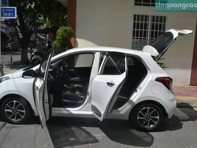 Bán xe Hyundai I10 hatback, màu trắng, số tự động, đời 2017. 8