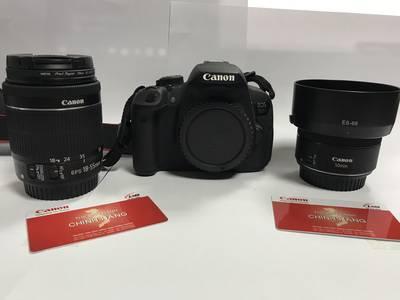 Bán máy ảnh Canon D700 giá 6 triệu 0