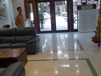Cho thuê toà nhà phố Duy Tân làm Văn phòng, đào tạo, showroom, spa, phòng khám... 1