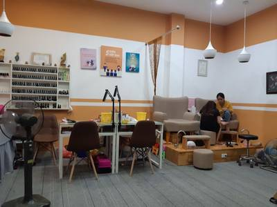 Sang nhượng cửa hàng nail   mi DT 45 m2 x 2 tầng mặt tiền 8 m Phố Quang Trung Q.Hà Đông Hà Nội 0