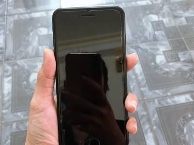 Cần bán lại máy iphone 7 plus 32g hàng nguyên rin chưa qua sửa chữa...