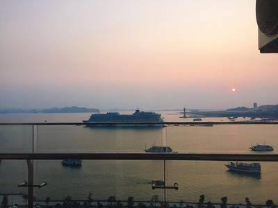 Chính chủ cần bán căn hộ khách sạn mặt biển Hạ Long, tặng ngay 15 đêm nghỉ du lịch miễn phí 1