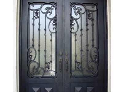Cửa cổng sắt đẹp 0