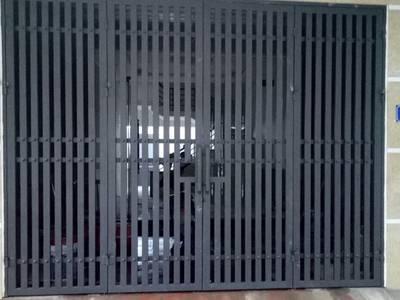 Cửa cổng sắt đẹp 8