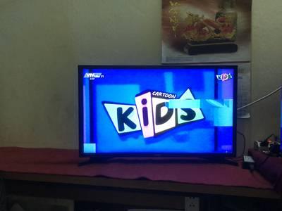 Cần bán tv samsung 32in có đầu kĩ thuật so 1