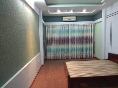 Phòng rất thoáng đẹp 105  Láng Hạ  4.0 m2 triệu đủ nl điều hòa giường tủ máy giặt chung Phòng 2