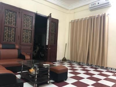 Chính chủ cho thuê nhà đẹp - vườn đẹp ngõ 581 Nguyễn Văn Cừ - LB 3