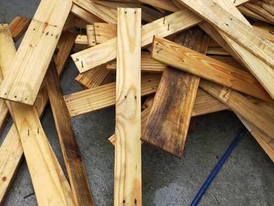 Gỗ thông pallet USA, gỗ thông Mỹ giá rẻ 10k/1m ,gỗ thông pallet Quảng NGãi Đà Nẵng QUảng Bình 4