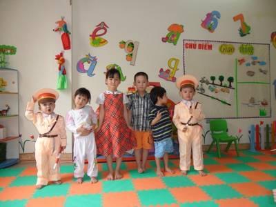 Các loại trang phục hóa trang cho các bé giá sale 7