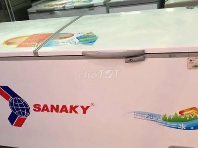 Cần bán tủ đông to 800 lit sanaky mới 90 0