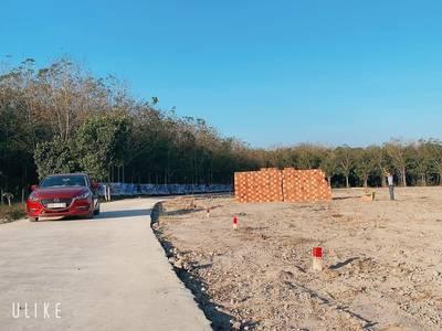 Chủ kẹt tiền cần bán miếng đất thuộc trung tâm thị trấn Chơn Thành, sổ sẵn, giá chỉ 490tr / 200m2 2