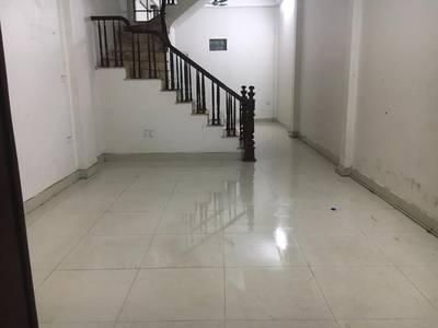 Nhà còn thừa 1 phòng 16m2 tầng 2 trong nhà 4 tầng 3