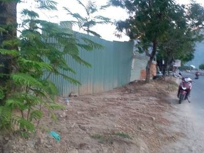 Cho thuê đất mặt tiền 1.400m2,  ngang 27m  N.Trang, K.Hòa 2
