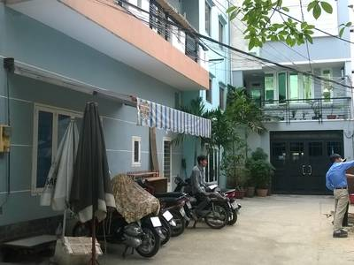 Cho thuê gấp nhà góc 2 mặt hẻm 6m đường Trần Quang Diệu, Quận 3, 4.7m x 10.5m, 1 lầu, 2 PN, 2 WC 2