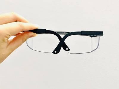Mình còn 2 hộp kính bảo hộ . 1 hộp 10 cái . Giá lẻ 25k/1c 1