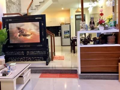 Cho thuê nhà mới 3 tầng 3 phòng ngủ Sơn Trà gần cầu sông Hàn 0