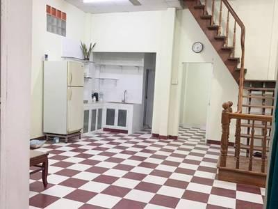 Nhà cho thuê 3PN CMT8, P13, Q10. Giá: 8 triệu/tháng 0