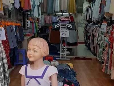 Sang nhượng cửa hàng quần áo. 1