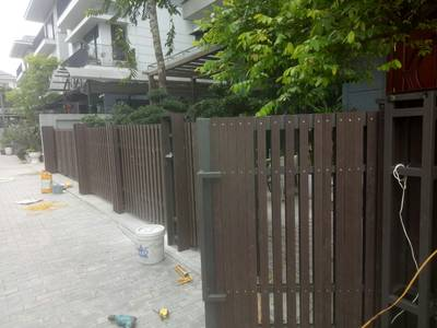Hàng rào gỗ nhựa ngoài trời Nhựa Việt Pháp 1