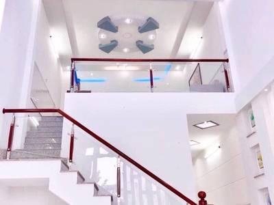 Cho thuê Nhà mới đậu xe ô tô gần chợ Bà Bộ 8 triệu  Miễn trung gian 1