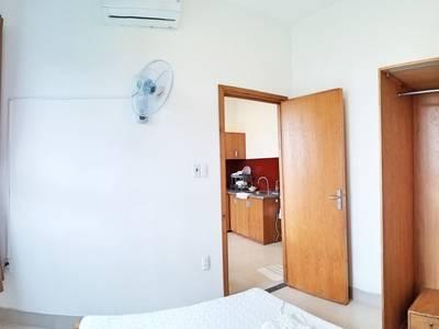 Căn hộ 1 phòng ngủ gần Vincom Plaza - A215 8