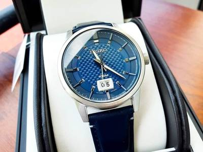 Seiko Quartz Blue 1