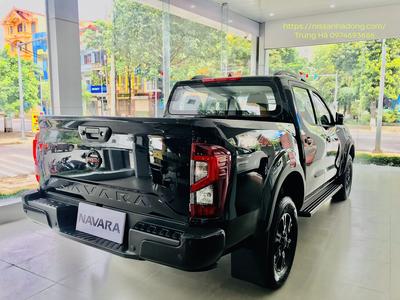Nissan Navara pro4x 2021 mau đen 11