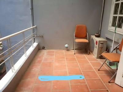 Cho thuê nhà Phố Đội Cấn - gần Lăng Bác  .65m x4 tầng 4