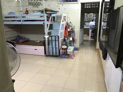 Cần bán nhà ở tầng 1 nhà tập thể ĐH Sư Phạm Hà Nội, ngõ 2,5m, giá tốt. 1