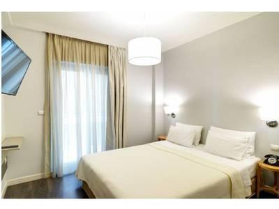 Cho thuê khách sạn khu vực Cầu Gỗ, Hoàn Kiếm - Giá 100tr/tháng 1