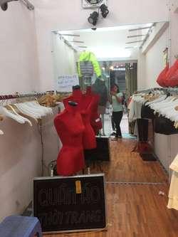 Thanh lý cửa hàng thời trang
