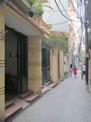 Bán nhà trong ngõ phố Đào  Tấn liên hệ chính chủ.