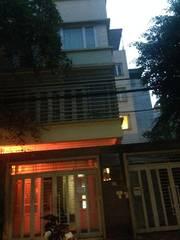 Bán nhà mặt phố Nguyễn Ngọc Nại, nhà đẹp, kinh doanh rất tốt, dt 48m2, mt 4m, giá 9,5 tỷ