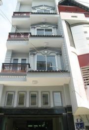 Cho thuê nhà nguyên căn HXH đường Hồ Hảo Hớn phường Cô Giang quận 1.