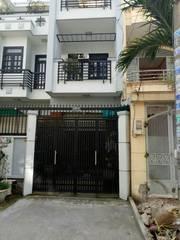 Bán gấp căn nhà gần Chợ đường Xuân Thới Sơn, 2 Lầu 200m2, shr