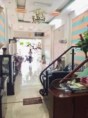 Cho thuê nguyên căn nhà 5 tầng mặt đường Văn Cao, Hải An, Hải Phòng. 0966304998