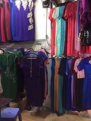 Cần dang sạp chợ Pham Văn Hai