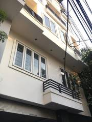 Chỉ nhỉnh ba tỷ có ngay nhà siêu đẹp, nhà ngay chợ Mai Động ,phố Minh Khai. 40m2 x 4tầng MT 6m.