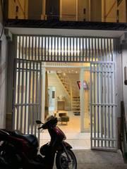 Cần bán nhà giá rẻ CMT8, HXH,45m2 tặng nội thất gỗ.