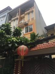 Cần bán nhà chính chủ sổ đỏ phố Đội Cấn, Cống Vị, Ba Đình, Hà Nội. Nhà 80m2, 5 tầng, ô tô vào nhà.