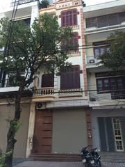 Bán nhà mặt phố Hoàng Ngọc Phách, Huỳnh Thúc Kháng, chỉ 15 tỷ,  vị trí đẹp, vỉa hè rộng