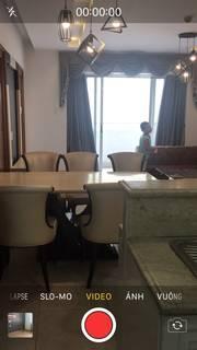 Cần bán gấp căn hộ Hùng Vương Plaza, Q.5, diện tích sàn 117m2, 3 phòng ngủ, 3wc, để lại nội thất