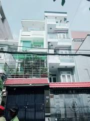 Cần tiền xoay sở làm ăn nên bán căn nhà 1 trệt 3 lầu gần chợ Hoàng Hoa Thám Phú Nhuận.