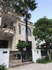 Bán Biệt Thự phố Dịch Vọng KD ô tô sầm uất 270m2, MT 16m giá 50 tỷ.