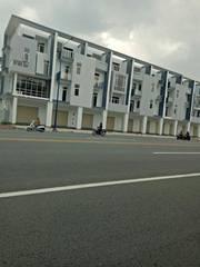Cần bán nhà mặt phố ở thành phố Mới, tỉnh Bình Dương
